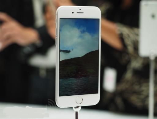 iPhone 6 Vs Samsung Galaxy S5 1